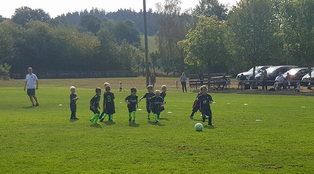 G- und F-Junioren starten erfolgreich ins Wochenende